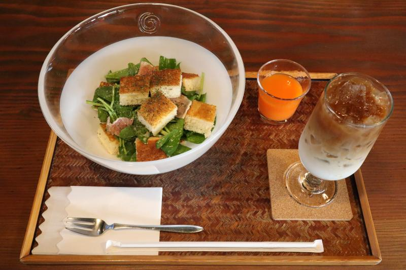 ホーレン草サラダ
